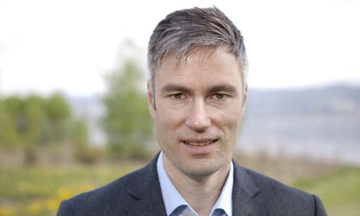 Ikke enig: Espen Olsen i Toyota Norge ser ikke hvorfor hybrid-teknologien ikke skal premieres. Foto: Toyota