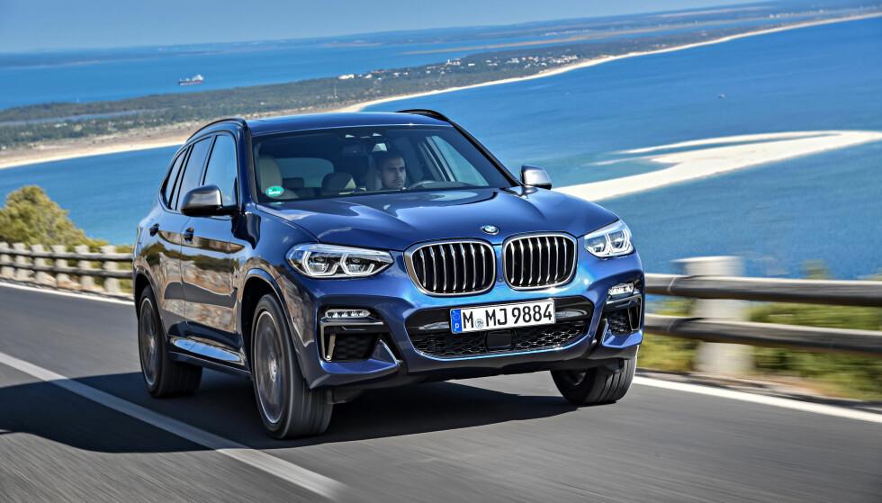 VOKSEN: Nye X3 har vokst igjen og er nå like stor som første generasjon av storebror X5. Når den også er romslig, mer komfortabel, har bedre kvalitetsfølelse og er bedre utstyrt, er den igjen helt med på notene i denne klassen - for å si det mildt. De to toppversjonene vi har fått prøve får i hvert fall terningkast seks. Foto: BMW
