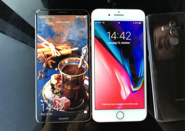 Sammenlignet med iPhone 8 Plus, er Huawei Mate 10 pro både smalere og lavere, men har 11 prosent større skjermareal. Foto: Pål Joakim Pollen