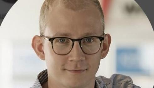 SKRUR IKKE AV: Christian August Holm Hansen sier det er lite man kan gjøre. Selv er han ikke grepet av panikk. Foto: LinkedIn