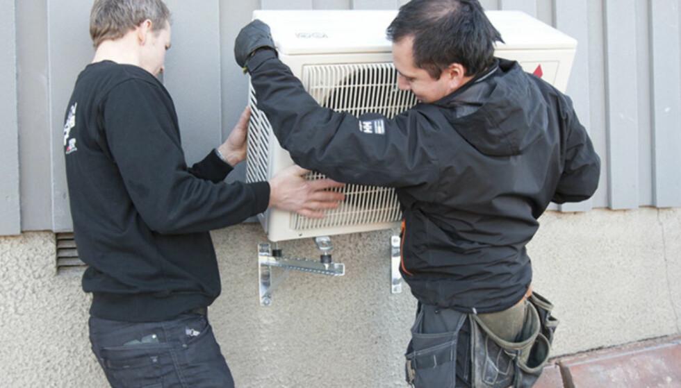 <strong>VIKTIG:</strong> Monteringsarbeidet er vel så viktig som varmepumpa du velger. Foto: Miba AS