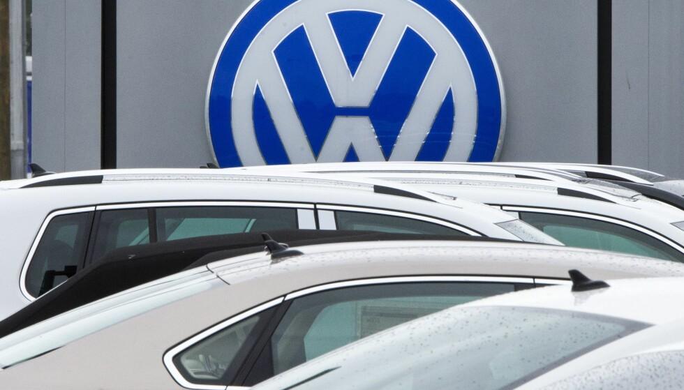 I MER TRØBBEL? NAF melder om at flere VW-kunder har fått krav på opptil 17.000 kroner for å utbedre bilene før systemoppgradering. Foto: AFP PHOTO / PAUL J. RICHARDS