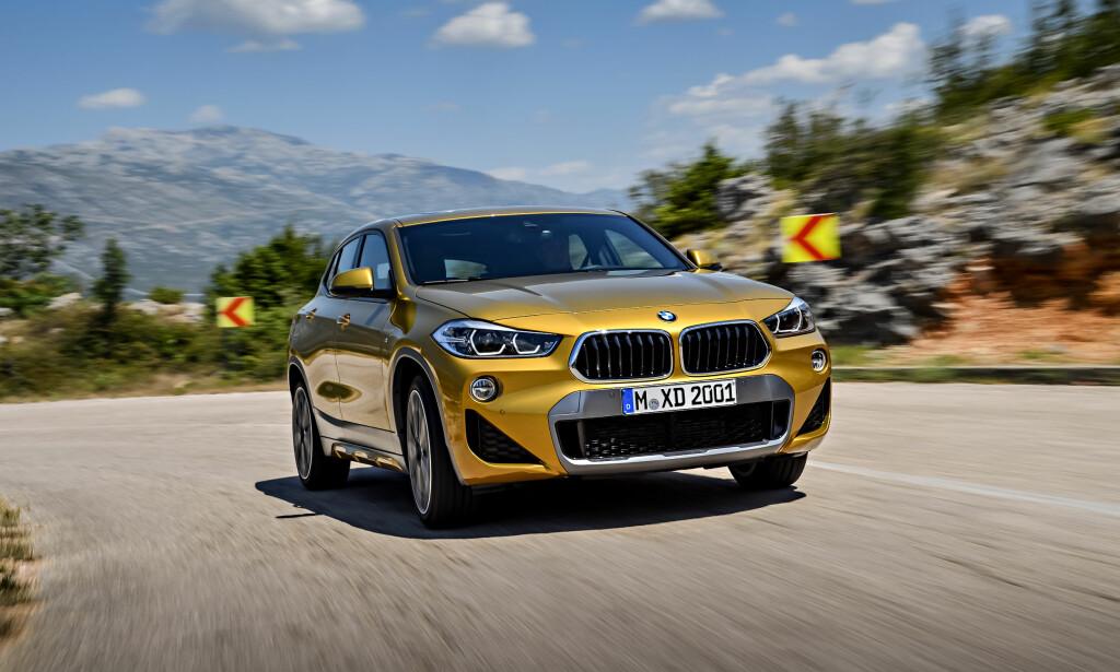 BMW MED EGENART: X2 blir en bil man kjenner igjen i forhold til andre modeller fra produsenten. Foto: BMW