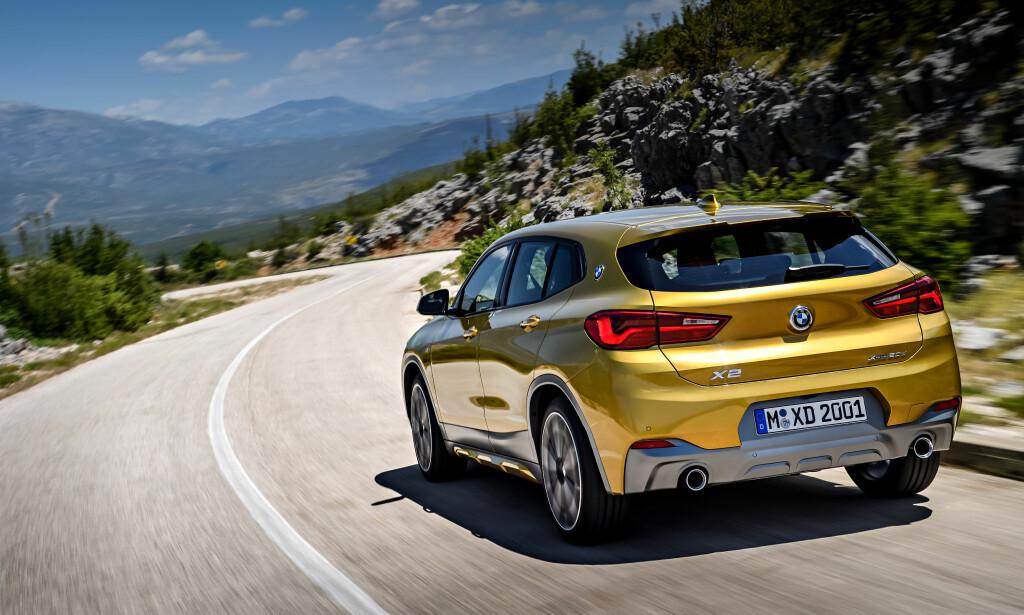 NEDTONET: Nedre del av hekken på konseptbilen var relativt outrert - det er mer moderat på produksjonsbilen, men noe henger igjen. Foto: BMW