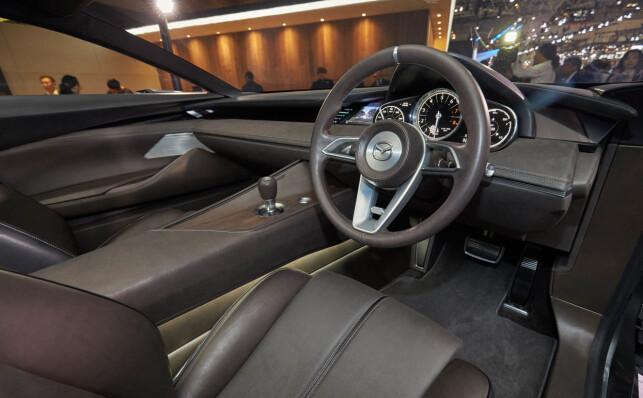 INTERIØRET: Også innvendig har Mazda Vision Coupé renskårne linjer. Foto: Newspress