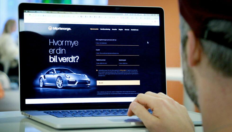 HVOR MYE ER BILEN VERDT? Forbrukerombudet og KNA kritiserer bilprisnorge.com og carprice.no for å ikke oppgi priser før handelen er i boks.Foto: Ole Petter Baugerød Stokke