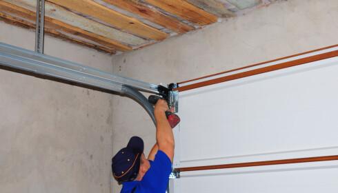 FORBEREDELSER: Om du skal oppgradere strømmen i garasjen, kan det være lurt å installere ferdig opplegg for elbillader. Foto: adovan1/Shutterstock /NTB scanpix