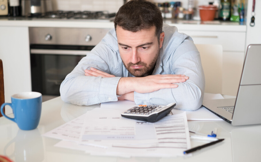 <strong>PASS PÅ NEDBETALINGEN AV STUDIELÅNET:</strong> Har du fast rente, må du være oppmerksom på at raskere nedbetaling og ekstra innbetalinger, fører til at du må betale dersom Lånekassen taper renteinntekter fordi du betaler inn ekstra. Foto: Shutterstock/NTB scanpix.