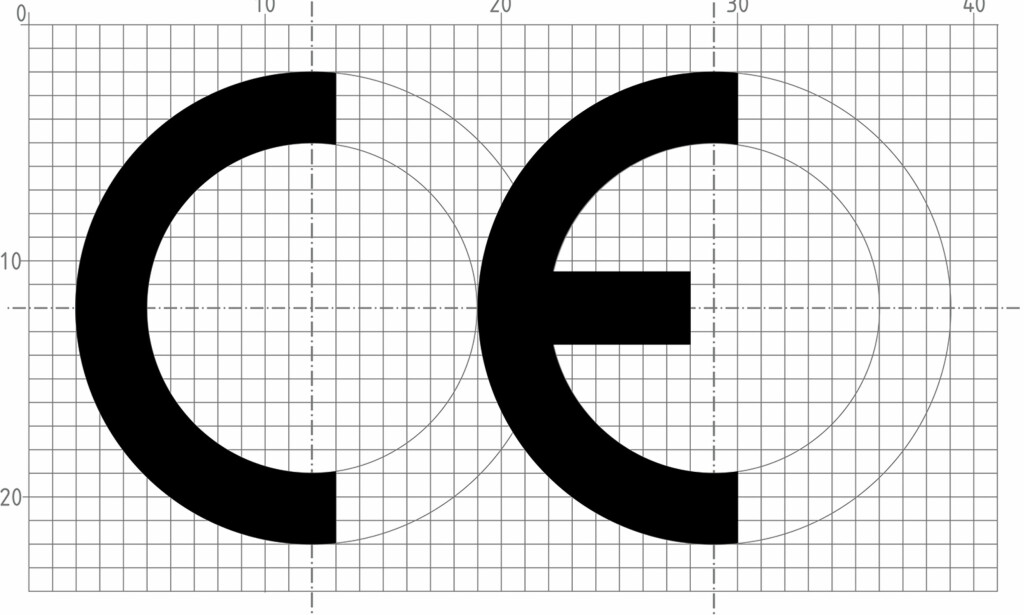 SLIK SKAL DET VÆRE: Slik skal CE-merket utformes. Som du kan se, skal det være en usynlig overlapp. Foto: Standard Norge