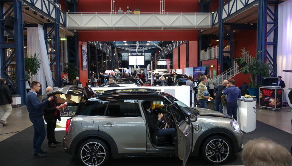 e-bil, ikke elbil: Ladbare biler var i fokus på eCar Expo i Gøteborg, som denne Mini-hybriden. Foto: Fred Magne Skillebæk