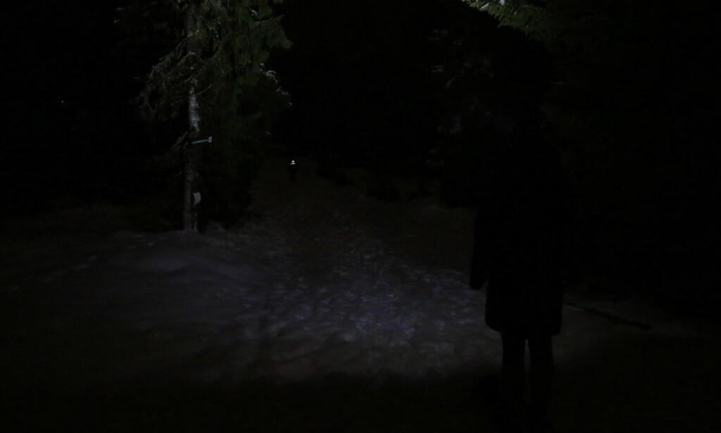 SLIK LYSER OLIGHT: Ganske dårlig lys fra Olight - selv om det ikke opplevdes så ille som bildet kan gi inntrykk av. Foto: Ole Petter Baugerød Stokke