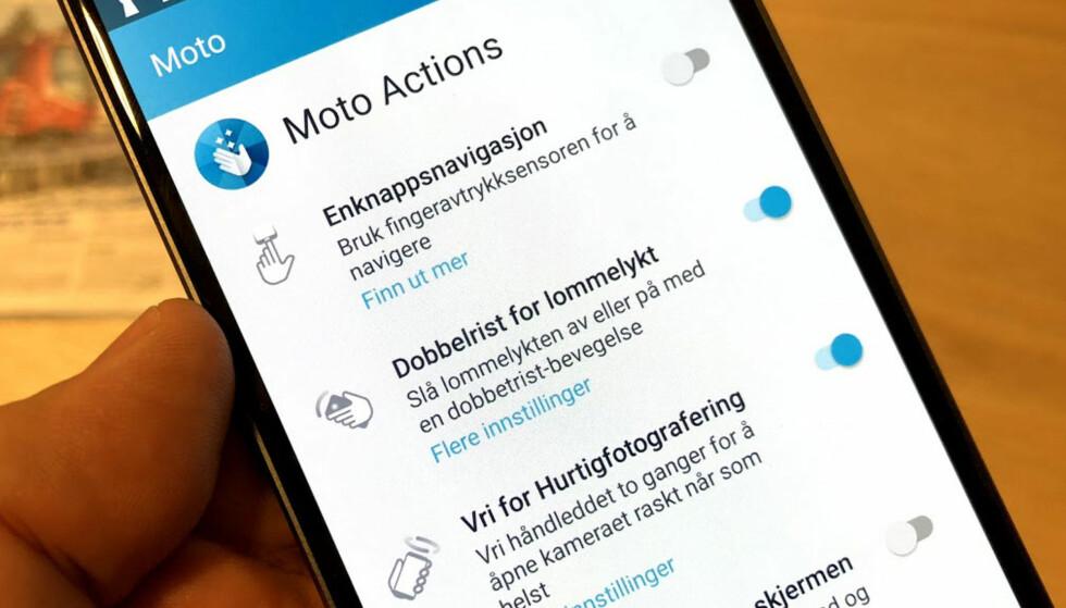 ACTIONS: De tilleggene Motorola har føyd til Android, er bare med på å gjøre opplevelsen enda mer brukervennlig, mener vi. Foto: Bjørn Eirik Loftås