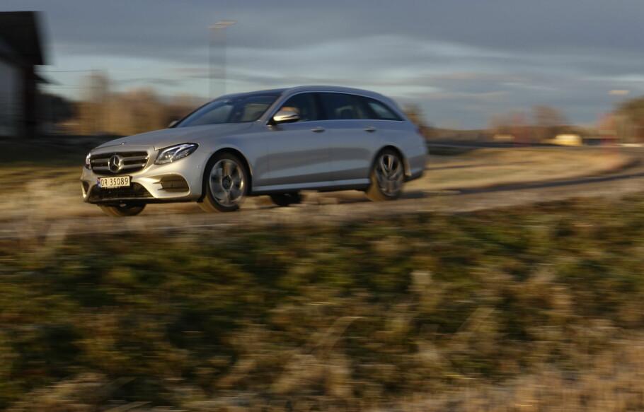 <strong>MEST FOR PENGENE:</strong> Mercedes E-Klasse finnes i utallige karosserivarianter og motoralternativer. Vi har testet det vi mener er det beste alternativet. Foto: Rune M. Nesheim