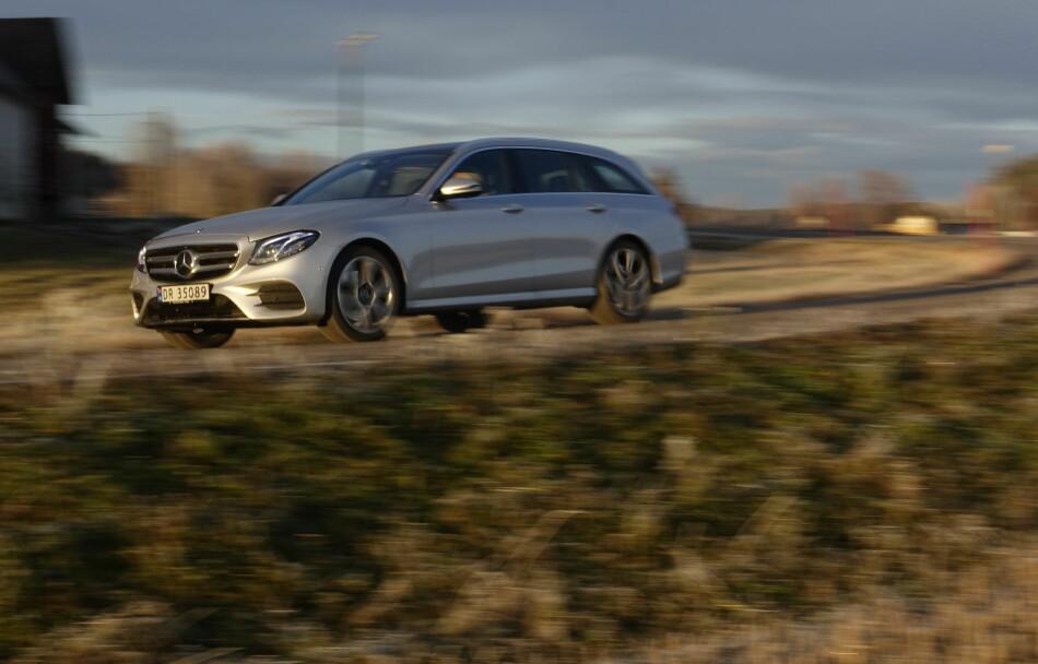 MEST FOR PENGENE: Mercedes E-Klasse finnes i utallige karosserivarianter og motoralternativer. Vi har testet det vi mener er det beste alternativet. Foto: Rune M. Nesheim