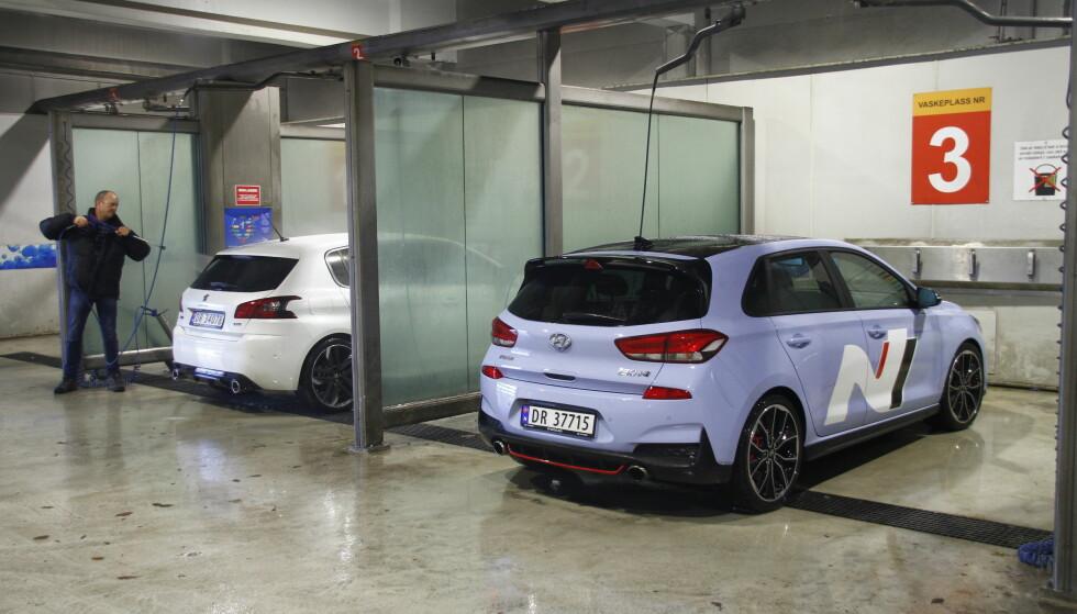 VASKEKTE MORO: Peugeot er designvinneren og mest kompromissløs. Hyundai gir mest trøkk, X-faktor og plass. Foto: Fred Magne Skillebæk.