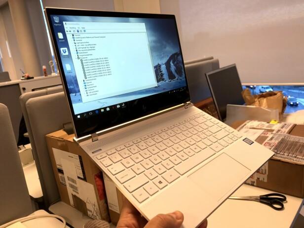 TESTER KOMMER: Vi har for øyeblikket to PC-er med de nye prosessorene på testbenken. Her: HP Spectre 13. Foto: Bjørn Eirik Loftås