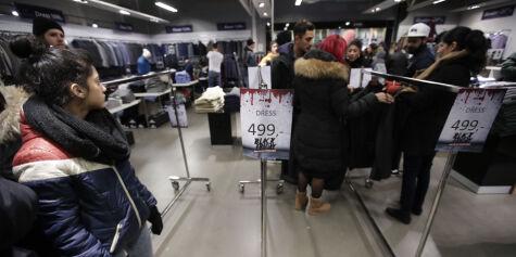 image: - Uansvarlig å pushe Black Friday på forbrukerne