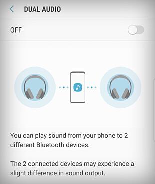 TO SAMTIDIG: Samsung Galaxy S8 støtter Bluetooth 5 og kan strømme til to hodetelefoner samtidig.