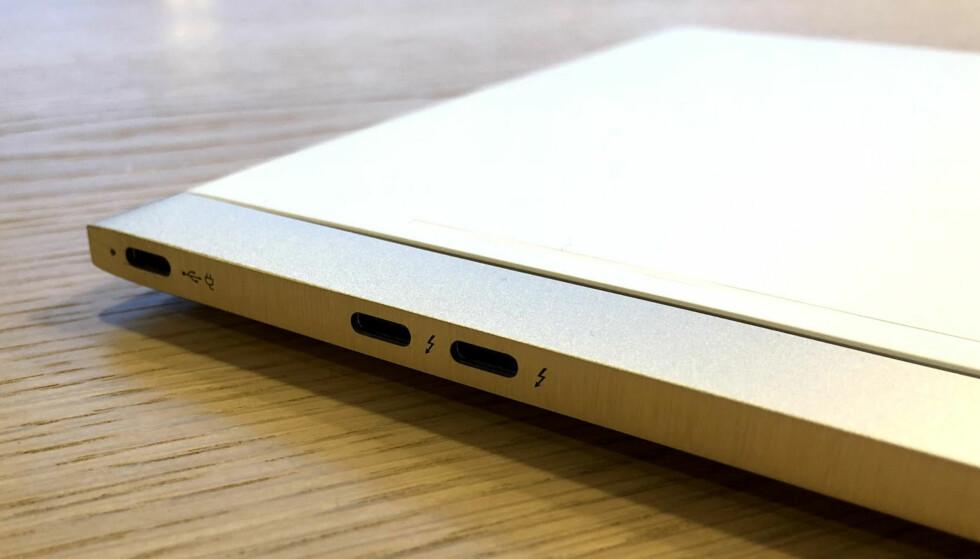 <strong>3 x USB-C:</strong> Denne porten begynner å bli vanlig, men det er slett ikke vanlig å se modeller med hele tre USB-C-porter. Foto: Bjørn Eirik Loftås