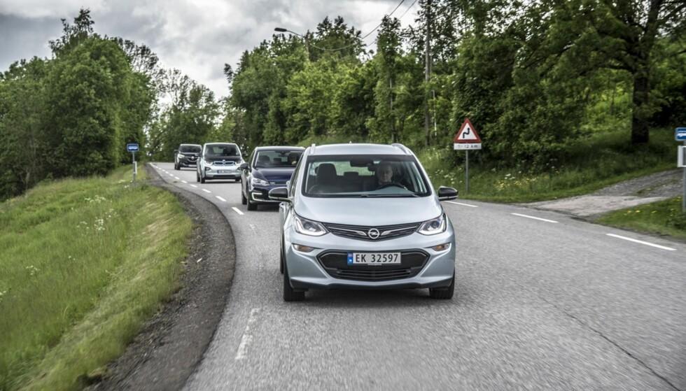 BEST NÅR DET GJELDER: Vi har testet rekkevidden på alle de viktige elbilene. Ampera-e er i særklasse best. Foto: Jamieson Pothecary