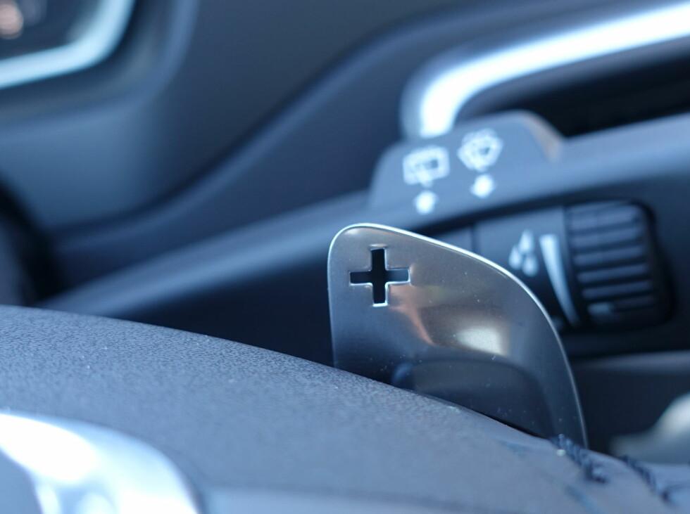 RATTGIR: Du kan skifte gir via rattet, men det gir ikke direkte nok følelse. Foto: RUNE M. NESHEIM