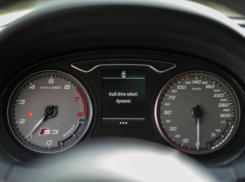 mercedesbenz A45 AMG Audi S3 2014 Foto: Jamieson Pothecary