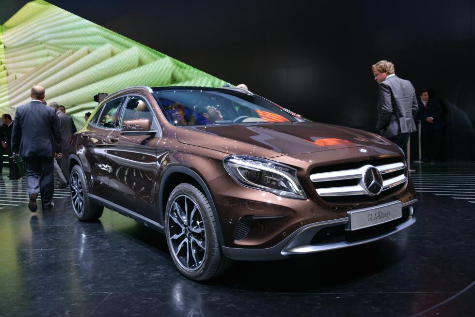 Her vises GLA-klassen for første gang for publikum, i anledning bilutstillingen i Frankfurt i forrige måned. Dermed har også Mercedes omsider sin egen kompakt-SUV på markedet. BMW X1 og Audi Q3: Se opp! Foto: Newspress