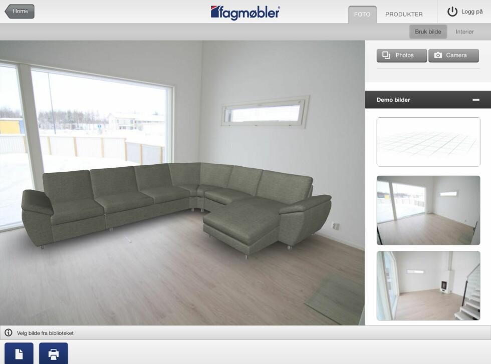 Her har vi satt inn en modulsofa vi lagde selv. Bildet er ett av standardbildene som følger med appen. Foto: Fagmøbler