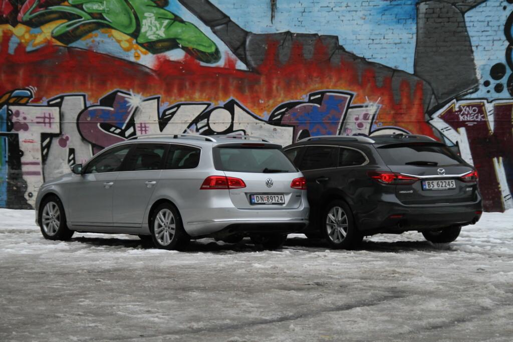 Mazda 6 er faktisk ørlite grann større enn VW Passat, men det er sistnevnte som har klart best plass, både til folk og bagasje. Men hva med Mazdaens mange andre gode egenskaper? Foto: Fred Magne Skillebæk
