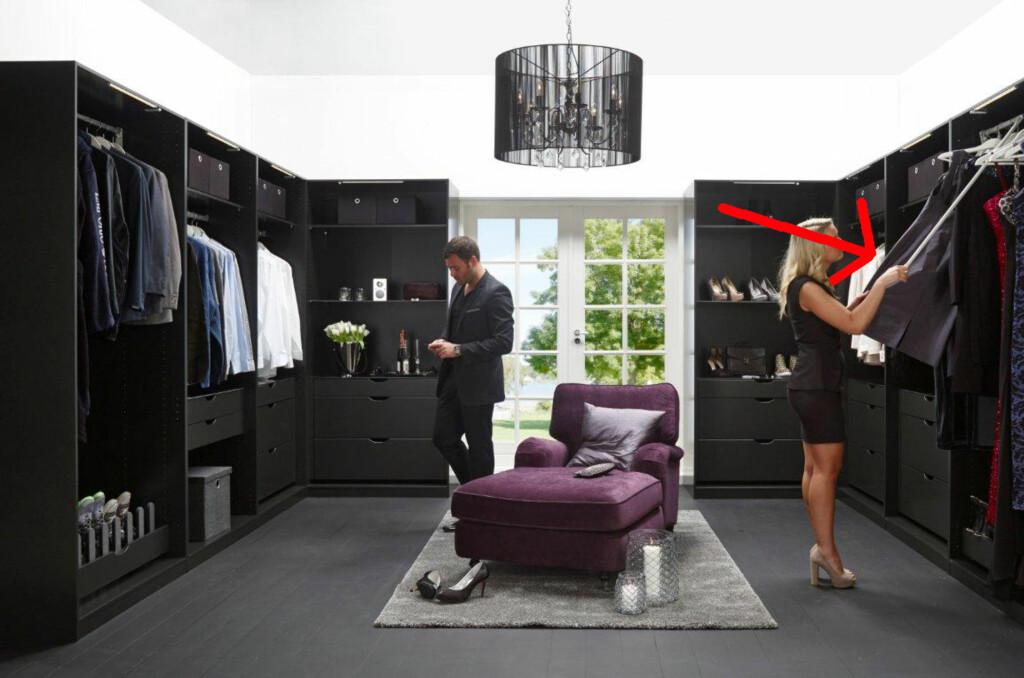 Smarte garderobeløsninger gjør ting lettere. Sjekk den nedfellbare garderobestangen fra Bohus. Flott dersom du har lange ting som skal henges opp, men likevel ikke er så veldig høy selv. Foto: Bohus
