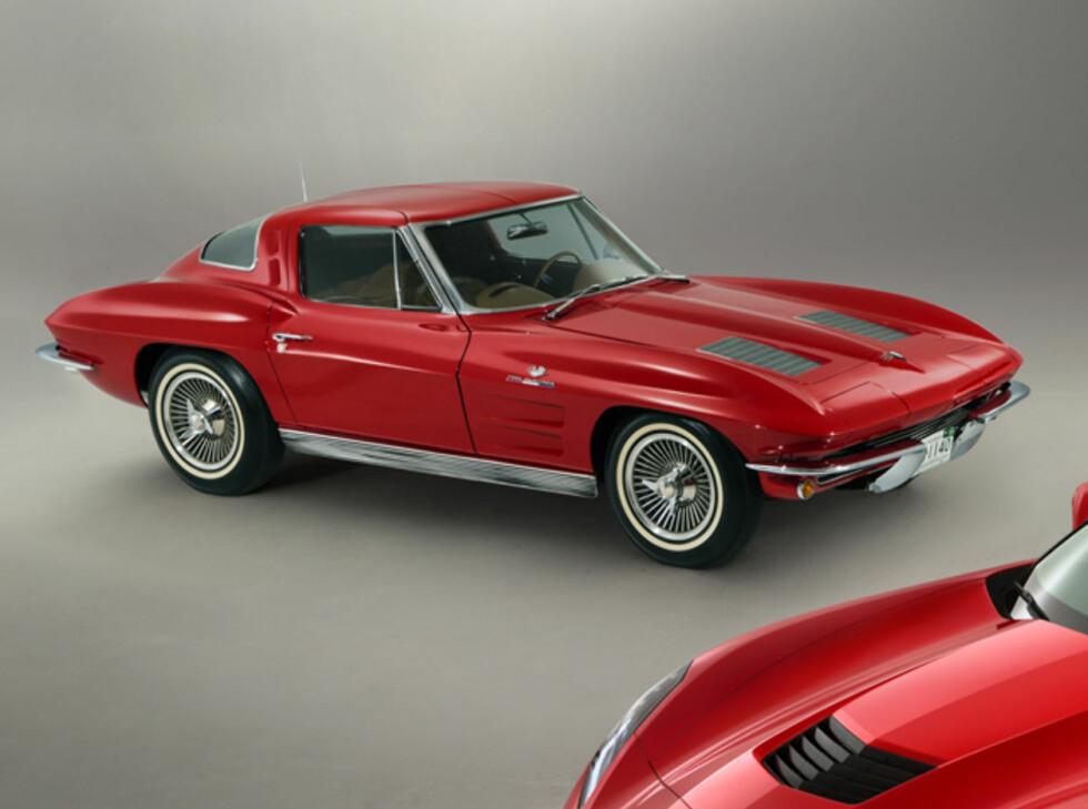 Helt nye Corvette Stingray (C7). I bakgrunnen: Corvette Sting Ray fra 1963 Foto: Chevrolet
