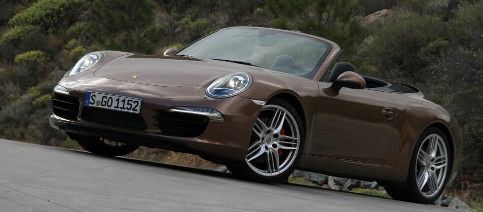 Porsche 911 har suverene kjøreegenskaper både med og uten tak. Foto: Fred Magne Skillebæk