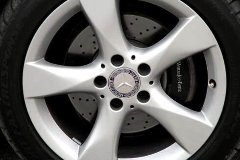 """Standard kommer bilen med 15"""" stålfelger. 17"""" aluminium er en god løsning."""