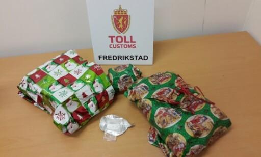 HARDE PAKKER: Tollere i Fredrikstad stoppet en ungarer som hadde med seg «julegaver» til kjæresten, som viste seg å inneholde 3.200 tabletter med Rivotril. Foto: toll.no.