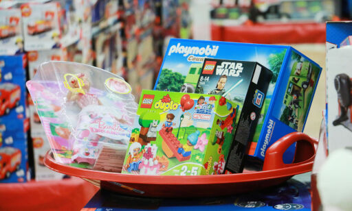 image: Nei, du bør ikke harryhandle Lego, Brio og Duplo