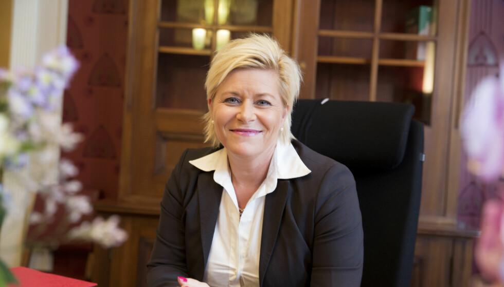 STRAMMET INN: Finansminister Siv Jensen mener at nedgangen i boligprisene i 2017 må ses i sammenheng med flere forhold, men at innstrammingene i boliglånsforskriften kan ha bidratt til at prisfallet kom raskere enn det ellers ville gjort. Foto: Rune Kongsro.