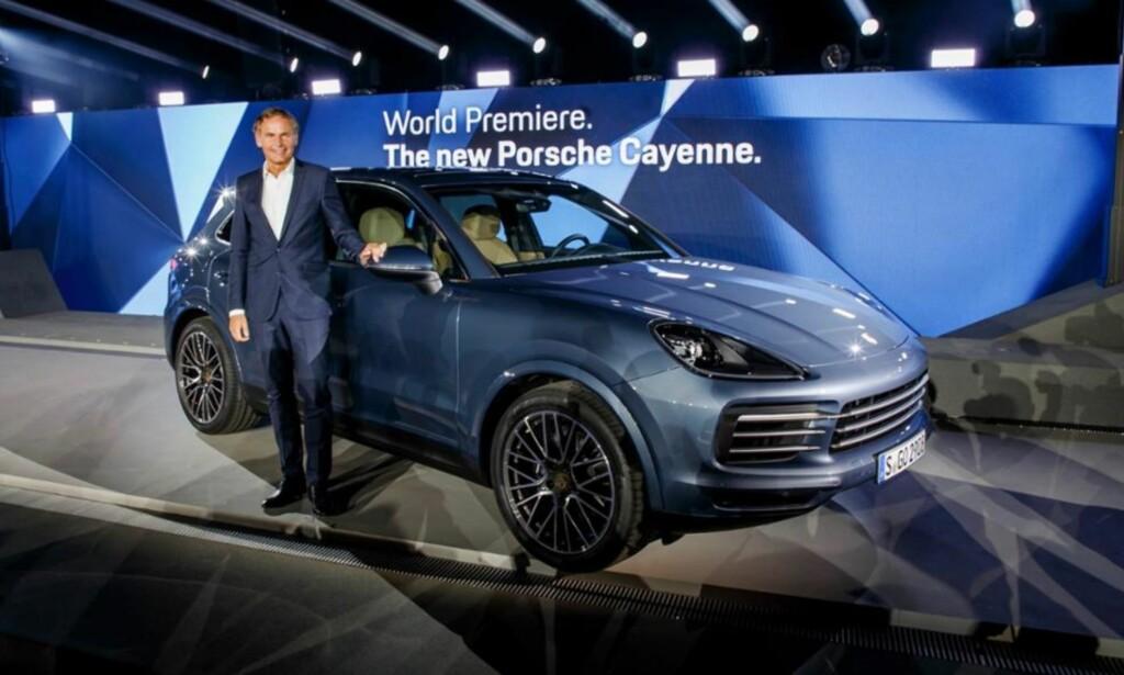 BRENNENDE: Porsche merket allerede i 2002 ut at SUV gav mer enn bare salt til maten. Siden har Cayenne vært en viktig bil for tyskerne. <br>Foto: Porsche