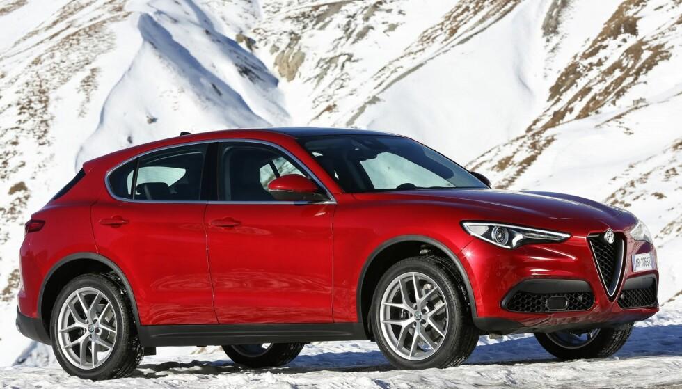 SKILLER SEG UT: Alfa Romeo Stelvio. Foto: Alfa Romeo
