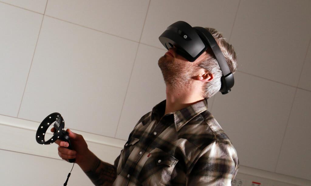 I EN EGEN VERDEN: Nå kommer Mixed Reality-teknologien for fullt til Windows 10. Foto: Pål Joakim Pollen