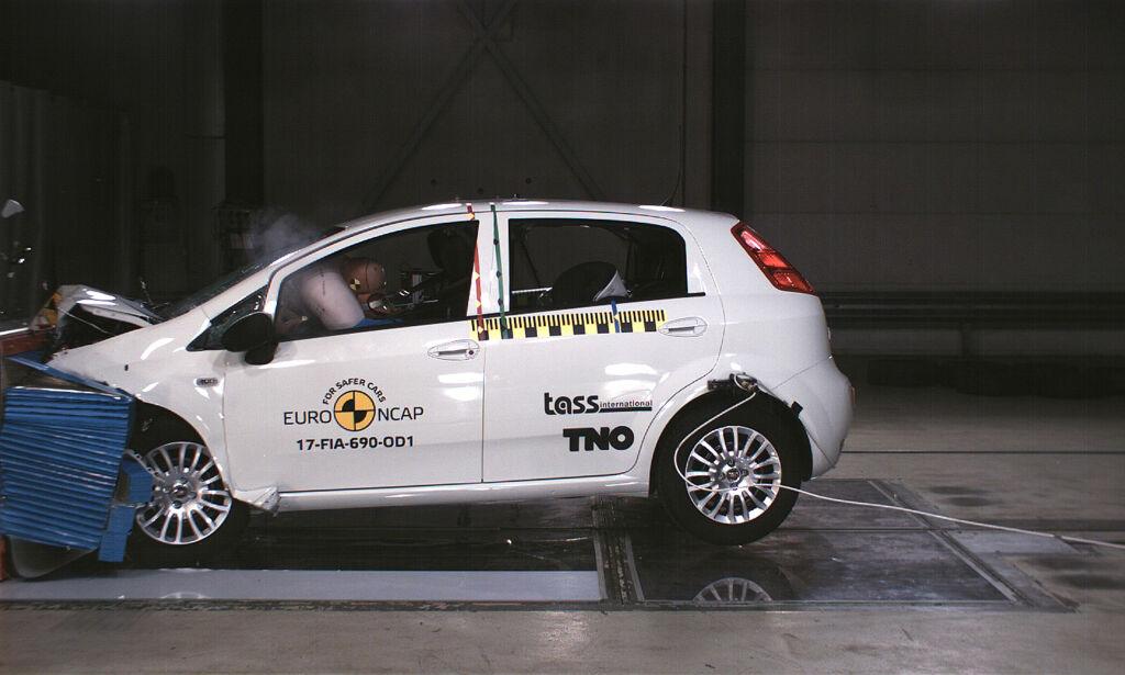 image: Den første bilen som har fått NULL stjerner i krasjtesten - noensinne