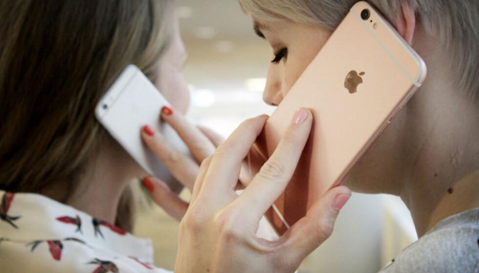 POPULÆR: Du har offisielt åtte forskjellige iPhone-modeller å velge mellom nå. Billigste koster under 3.000 kroner, dyreste koster mer enn fire ganger så mye. Foto: Ole Petter Baugerød Stokke
