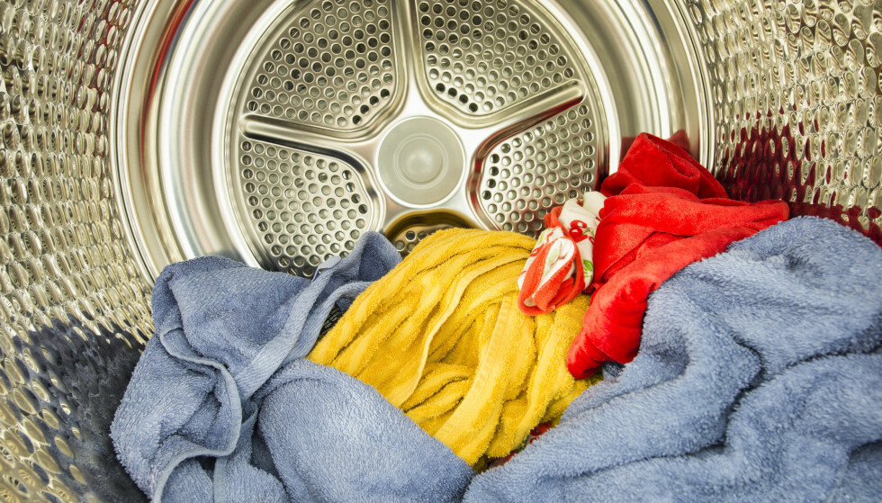 BILLIGST MED TØRKETROMMEL: Det er enorme forskjeller både hva gjelder tørketid og energiforbruk ved bruk av ulike hvitevarer for tørking av klær. Et tørkeskap bruker opptil 257 prosent mer strøm enn en tørketrommel med varmepumpe.