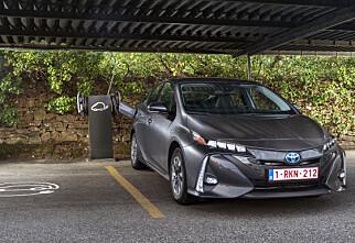 Toyota hiver seg rundt og gjør som konkurrentene
