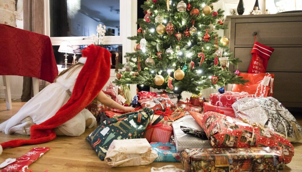 GJENBRUKSGLEDE: En brukt julegave kan gi vel så mye glede som en ny. Finn.no har gående en reklamekampanje, hvor de understreker nettopp dette. Foto: Gorm Kallestad/NTB scanpix.