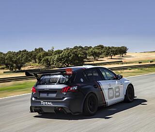 VM I SPOILER: 308 Racing Cup har fått en heftig spoiler som overgår en middels råner en høy gang. Foto: Peugeot