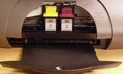 Blekket sitter i to kassetter.
