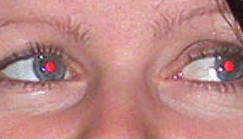 Til tross for tre blink med blitsen er sjansen for røde øyne ganske stor.