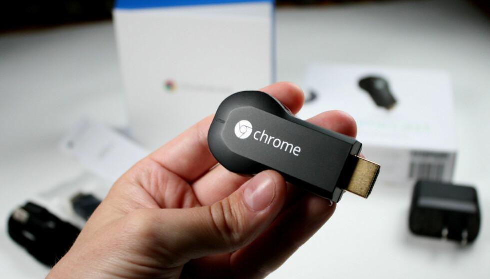 HENTER BILDER DØGNET RUNDT: Har du en Chromecast i TV-en, laster den ned bilder fra nettet døgnet rundt. Foto: Ole Petter Baugerød Stokke