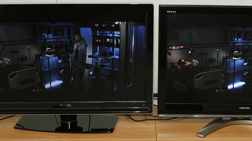 Philips til venstre, Toshiba til høyre.