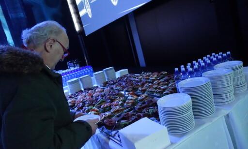 KAFFE OG SMØRBRØD: Audi ønsker ikke at kundene skal sulte på andre måter heller. Foto: Fred Magne Skillebæk